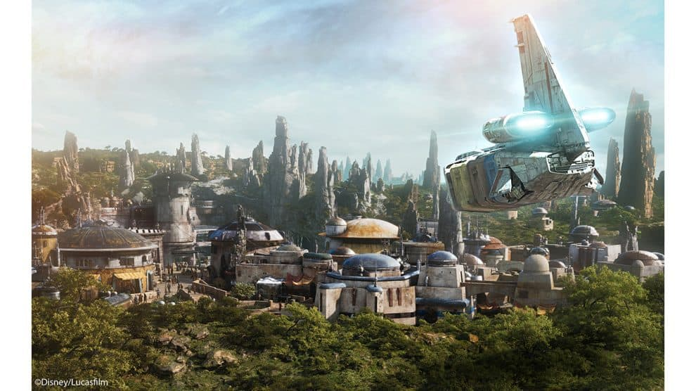 Star Tours Now Ends On Galaxy's Edge Planet, Previewing New Star Wars Land at Disney Parks