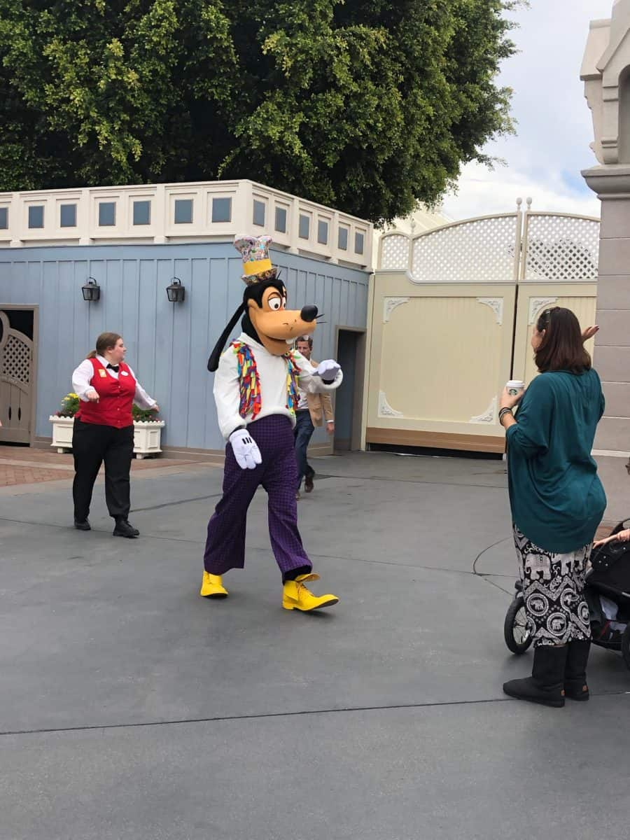 PHOTO REPORT Disneyland Park Steamboat Willie Popcorn Bucket Castle Construction Characters