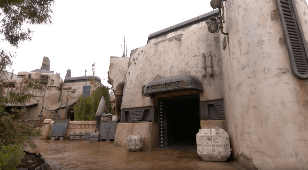 Star Wars: Galaxy Edge Droid Depot