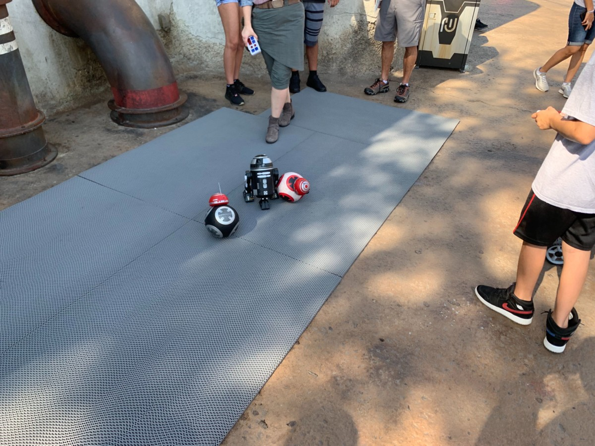 Droid Testing Now Happening Outside of the Droid Depot in Star Wars: Galaxy's Edge at Hollywood Studios