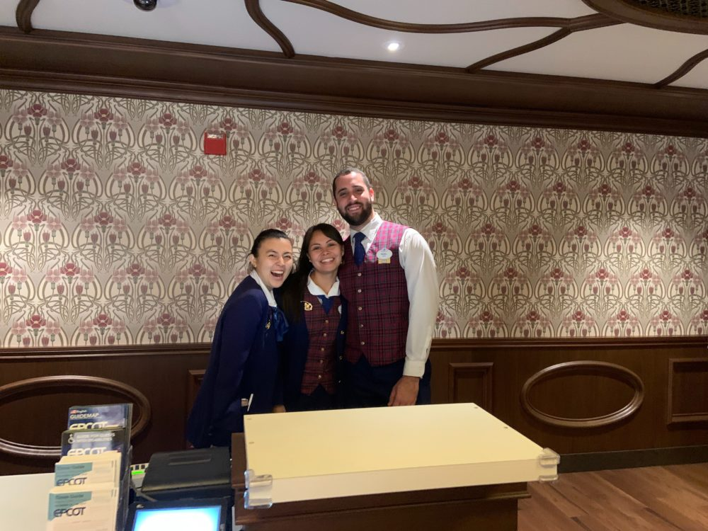 epcot guests relations 12-29-19 - cast members