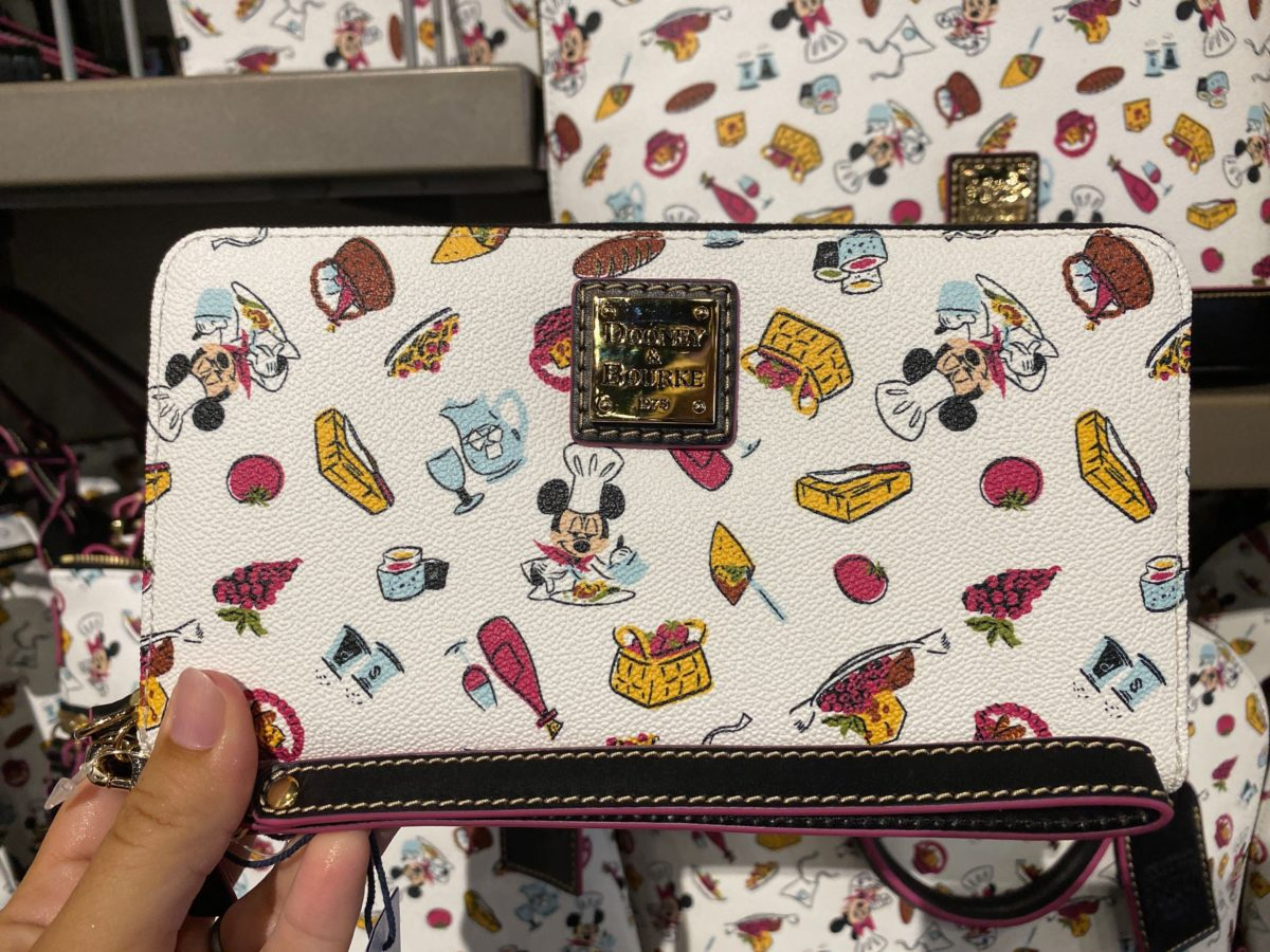 taste-of-epcot-international-food-wine-festival-dooney-bourke-mouse-gear-wristlet-1