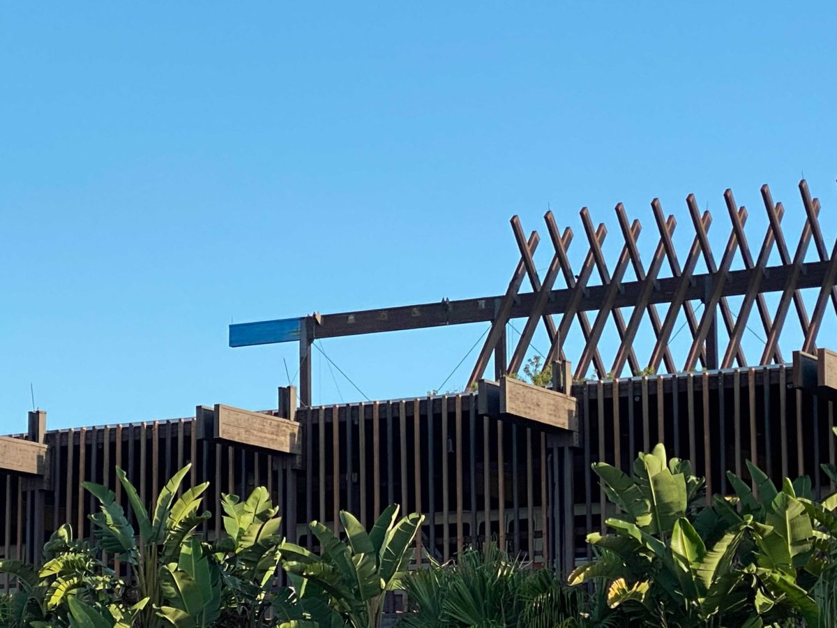 polynesian-crossbeams-10-08-4
