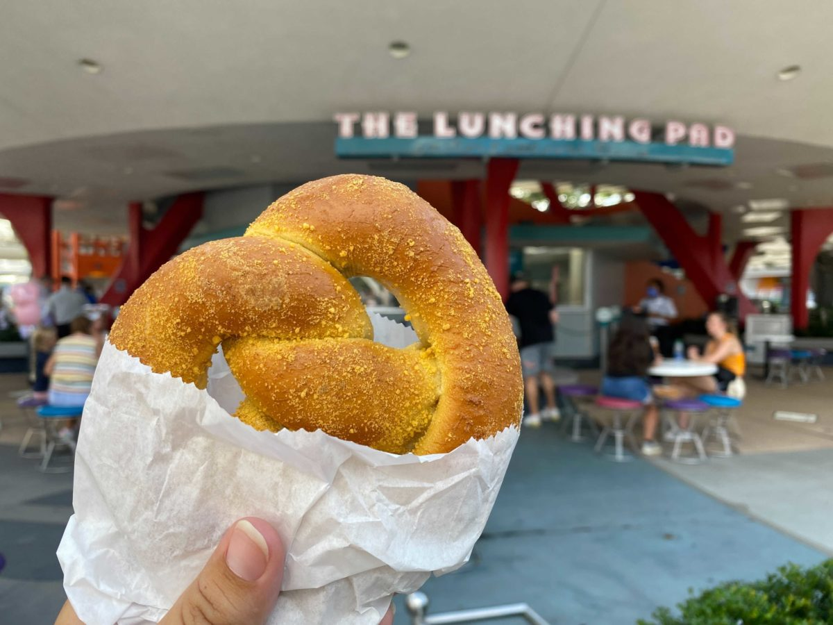 The lunching pad sign with pretzel