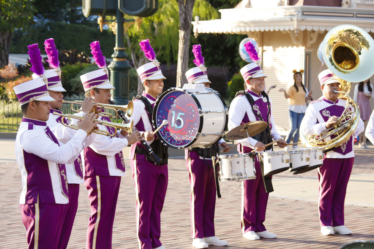 20201120_hkdl_15th-anniversary-launch-celebration_disneyland-band-2