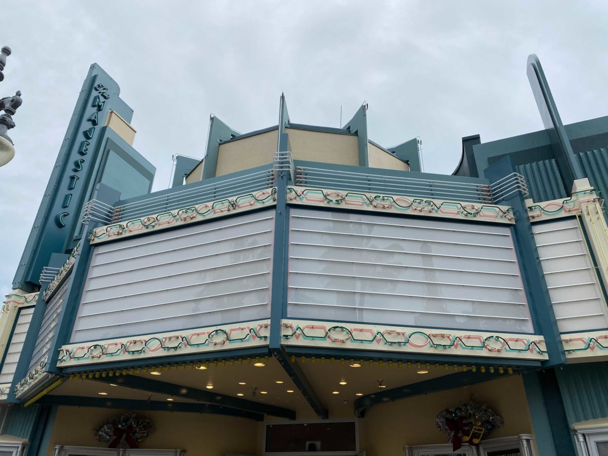 legends-of-hollywood-majestic-marquee-uncovered-1