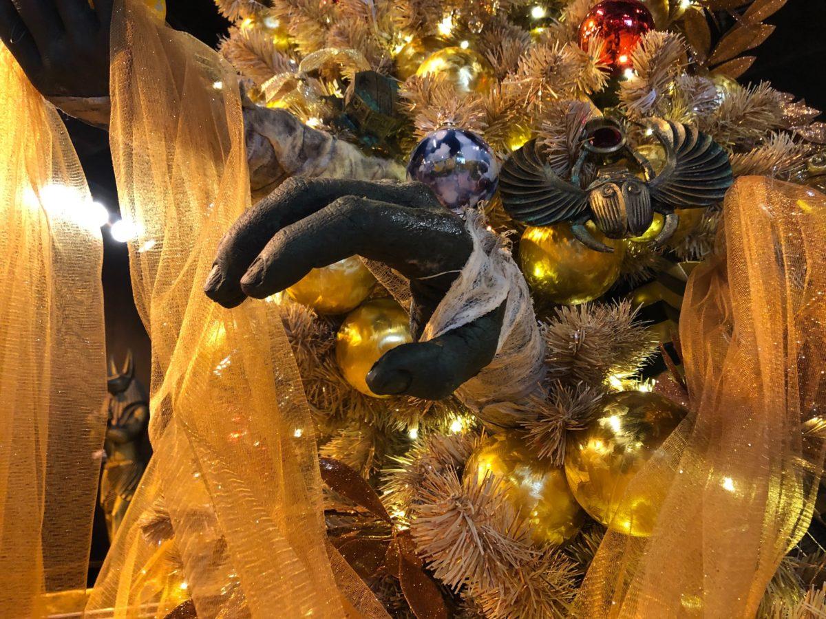 mummy-christmas-tree-6