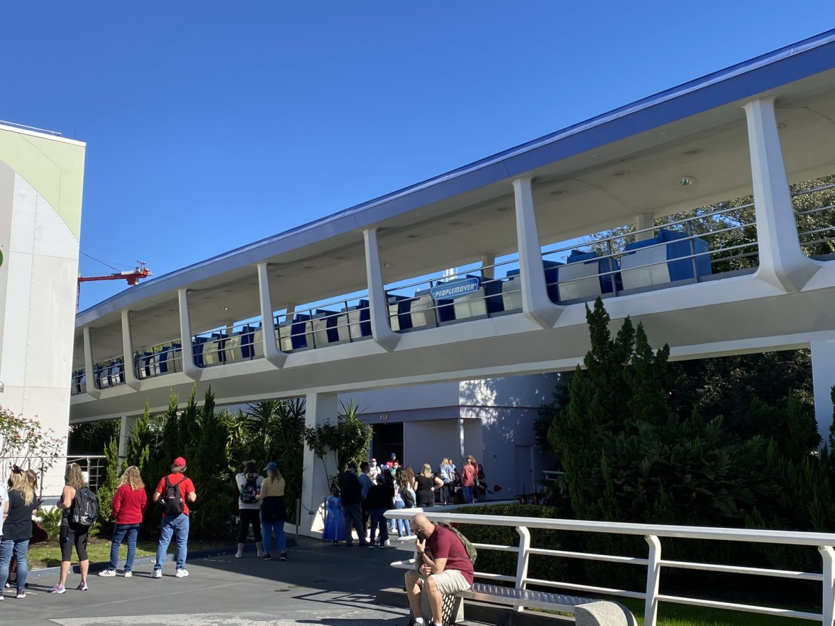 peoplemover-cars-grouped-together-magic-kingdom-12282020-7636051