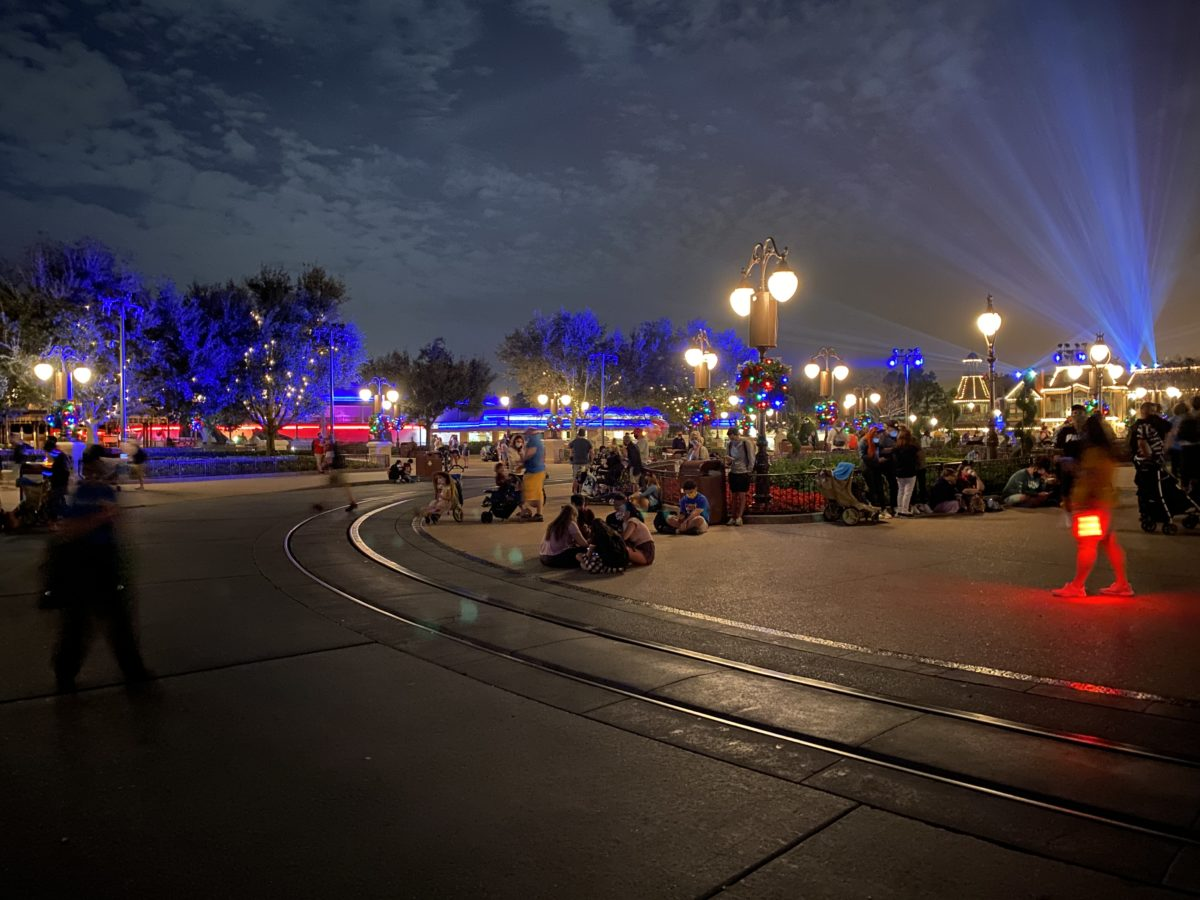 guests-waiting-for-midnight-on-the-hub-magic-kingdom-12312020-2350029