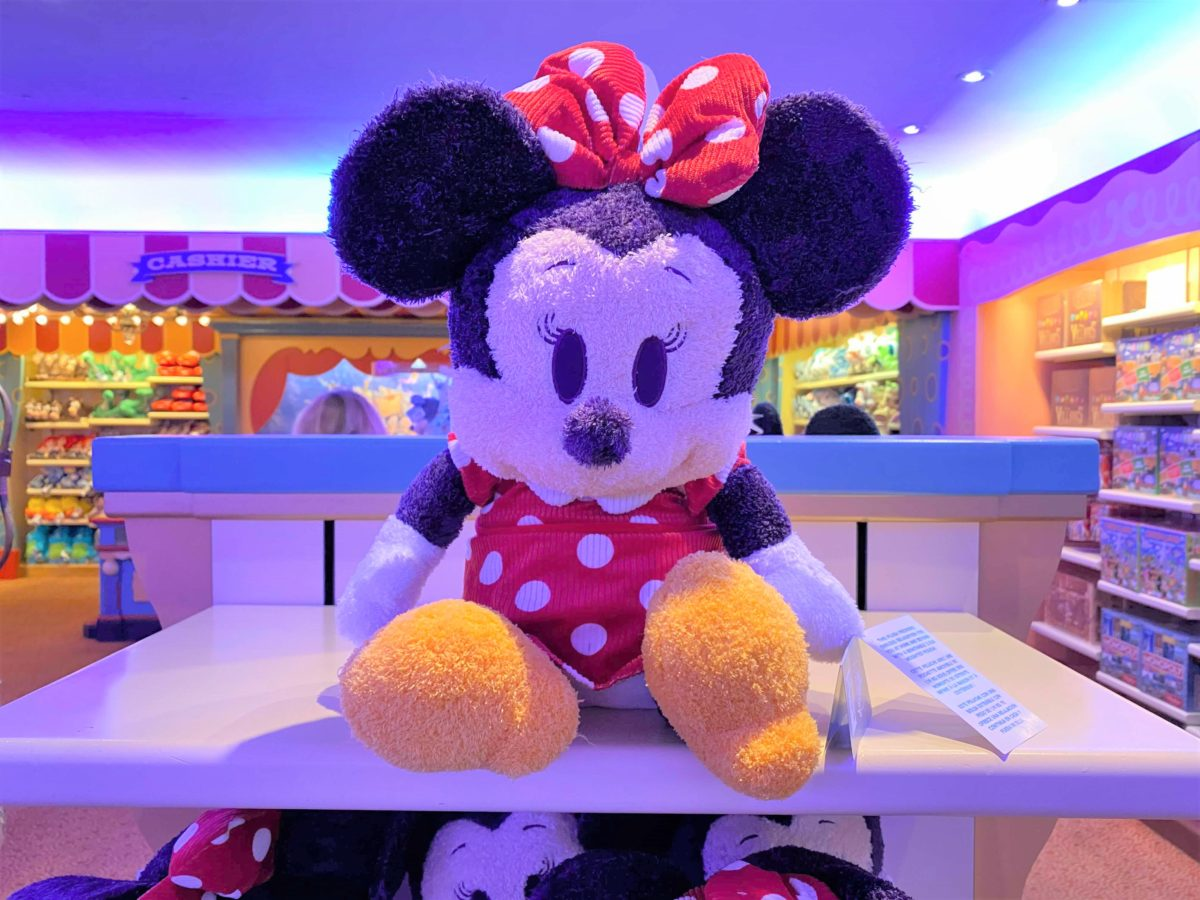 disney-california-adventure-big-top-toys-weighted-plush-minnie-mouse-2-9713540