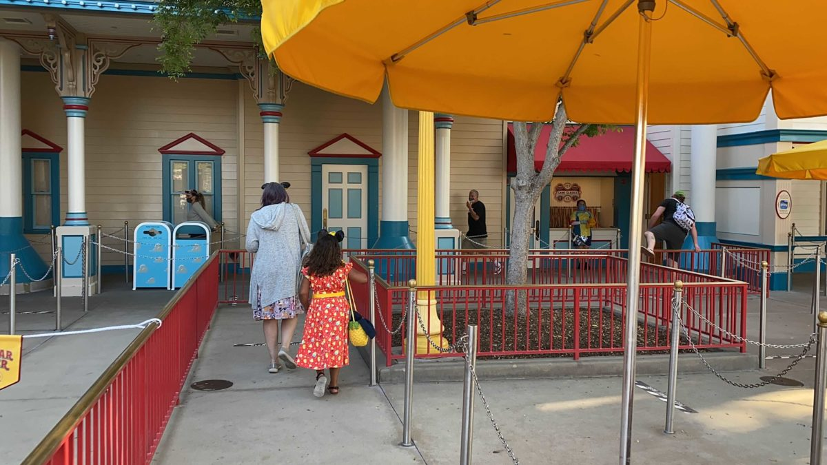 disney-california-adventure-pixar-pier-toy-story-midway-mania-2021-reopening-physical-distancing-23-8440061
