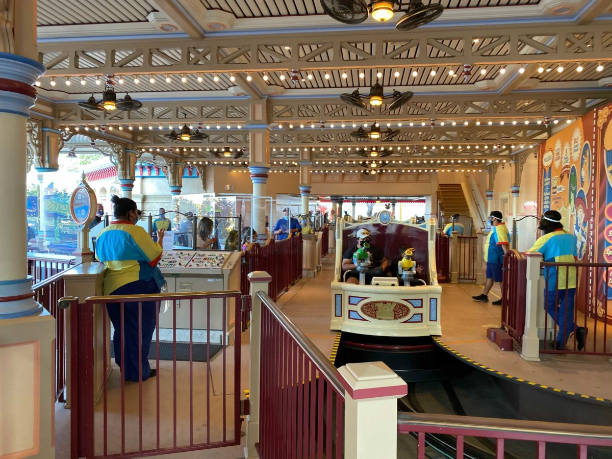 disney-california-adventure-pixar-pier-toy-story-midway-mania-2021-reopening-physical-distancing-4-1144640