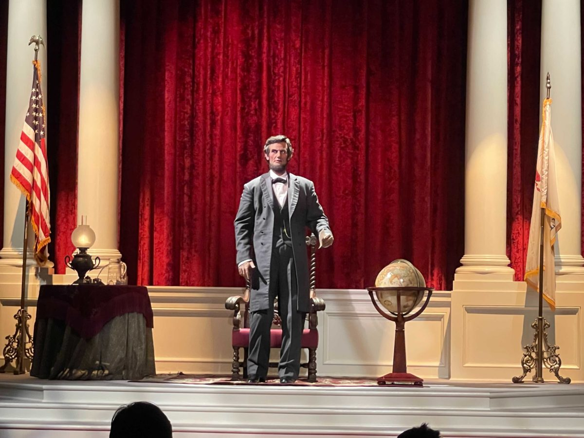 the-disneyland-story-presenting-great-moments-with-mr-lincoln-reopens-12-7281478